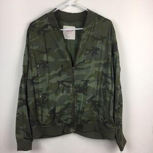 Mossimo Camo Light Jacket XL